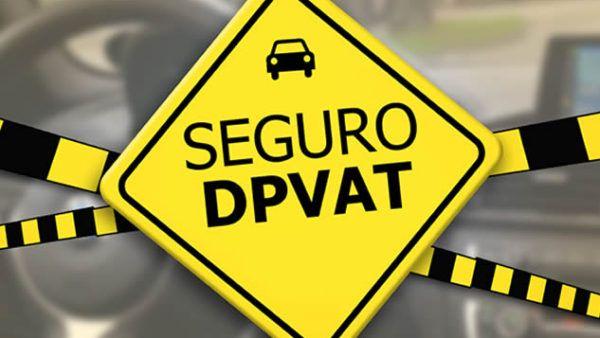 Bolsonaro assina MP que acaba com o seguro DPVAT