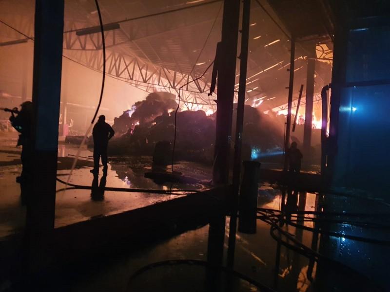 Incêndio destroi empresa no centro de Botuverá