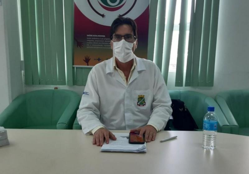 Secretário afirma que paciente morreu por aneurisma, mas será contabilizado como óbito por Covid-19